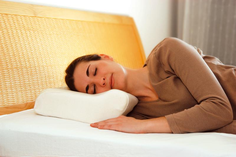 Sissel gesund schlafen sanit tshaus sedlmayer for Sessel nackenkissen